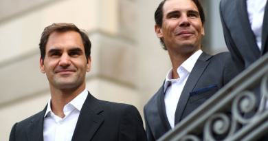 Roger Federer praises Rafael Nadal for 2019 performance