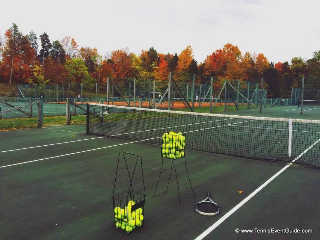 Total Tennis Outdoor Courts Fall