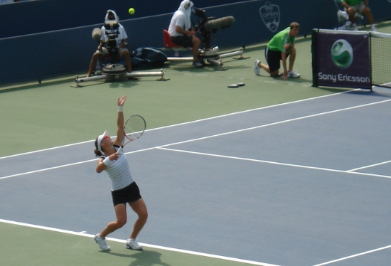 Sam Stosur service motion ball toss Cincinnati Open 2011 pictures
