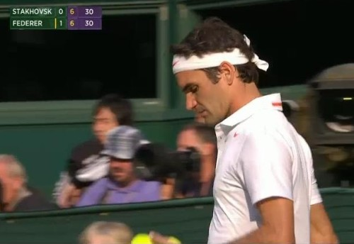 Roger Federer Fed contemplating serve white polo Wimbledon pictures