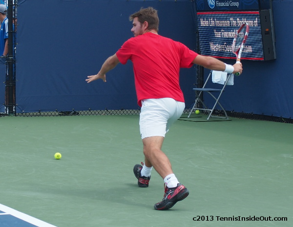 Stanislas Stan Wawrinka beautiful bum arse gorgeous ass running forehand photos red shirt white shorts Dimitrov practice Cincinnati 2013