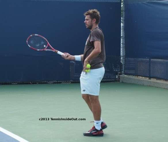 Stanislass sass Wawrinka hand on hip pose tennis balls racquets sexy sweaty Stanley photos images pictures Cincinnati US Open series semis