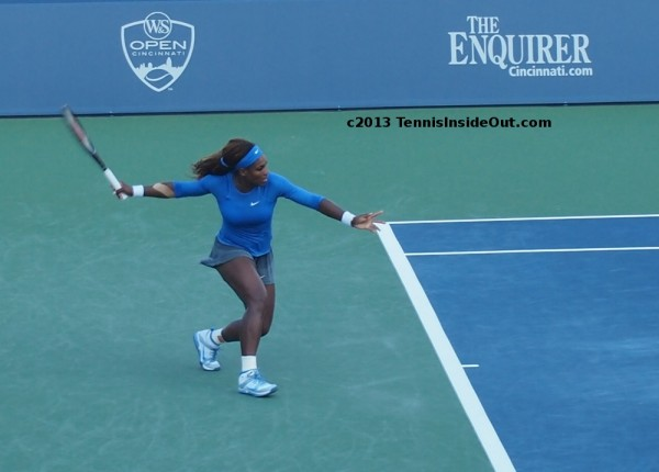 Serena Williams stretch forehand set up tennis racquet hair Western and Southern Open Cincy US series pictures