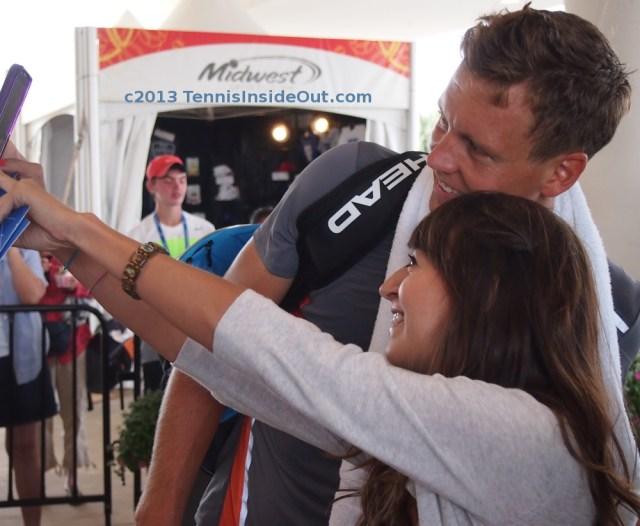 Berdych fan selfie Cincinnati Open 2013