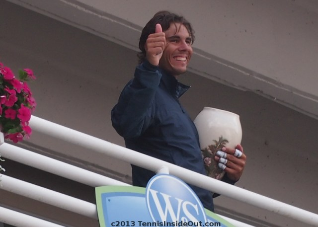Rafael Nadal thumbs up trophy balcony Cincinnati Masters Western and Southern Open photos pictures images