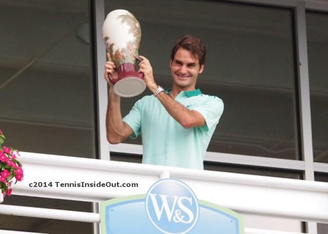 Roger Federer grinning holding trophy balcony Cincinnati masters win