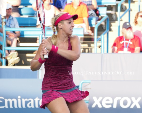 Western and Southern Open  Sabine Lisicki tennis photos pics purple blue dress