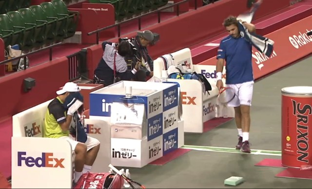 Rakuten Japan Open Tokyo Tatsumo Ito Stan Wawrinka changeover toweling walking