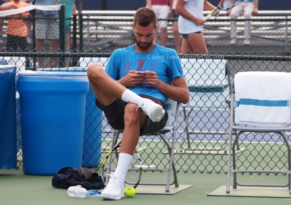 Benoit Paire on cell phone Cincy tennis 2015