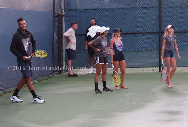 Nick Kyrgios grinning fangirls practice Cincy