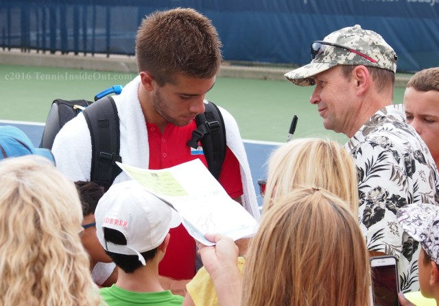 Perving on Borna Coric admiring male fan Cincinnati Masters practice 2016 pics