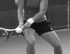 Crushing backhand return Angelique Kerber practice fast tennis ball big strong sexy bare thighs sweaty photos pics