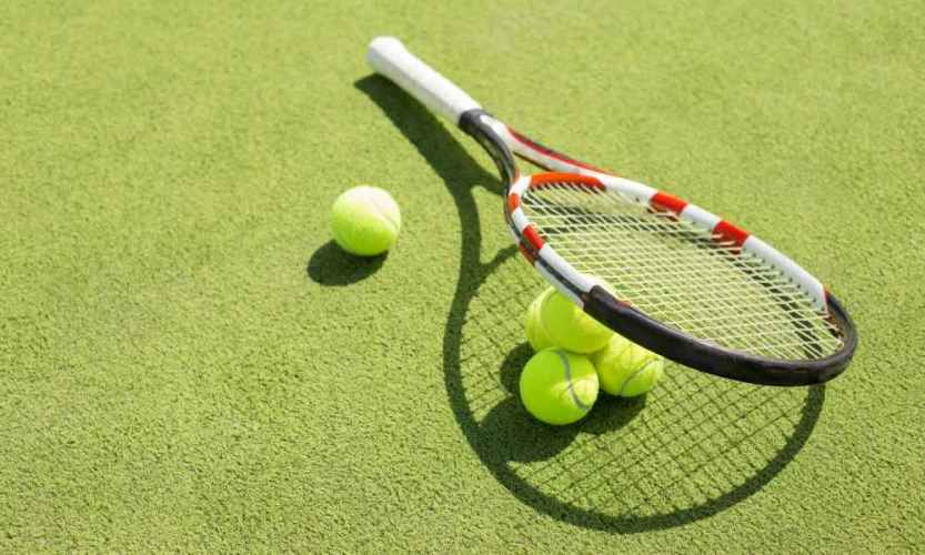 How to Grip a Tennis Racket Properly