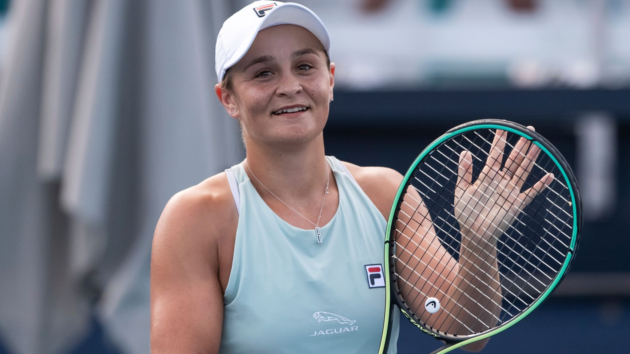 Roland Garros 2021: Ashleigh Barty vs. Magda Linette Tennis Pick and Prediction