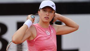 Tokyo 2020 Olympics: Iga Swiatek vs. Mona Barthel Tennis Pick and Prediction