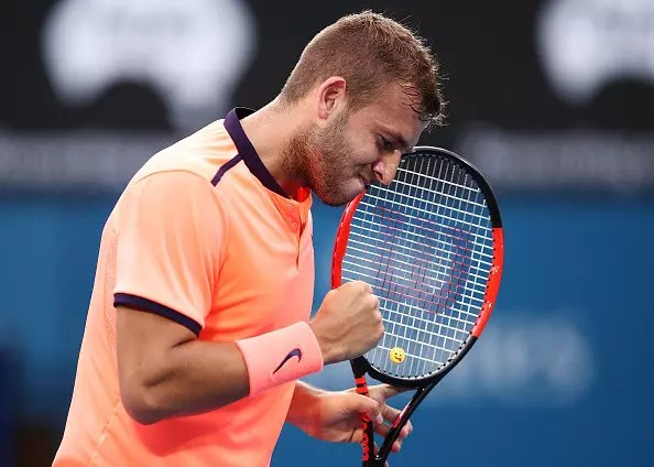Evans and Konta remain in the running at Sydney