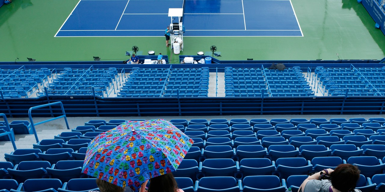 Cincinnati | Rain halts mens play