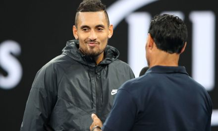 Melbourne | Kyrgios keeps calm and carries on to victory