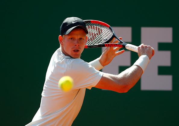 Monaco | Edmund falls in opener