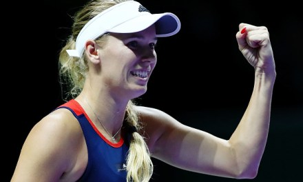 Singapore | Wozniacki downs Kvitova to keep hopes alive