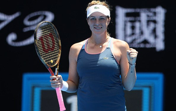 Melbourne | Bertens loses, Wozniacki and Sharapova line up for clash