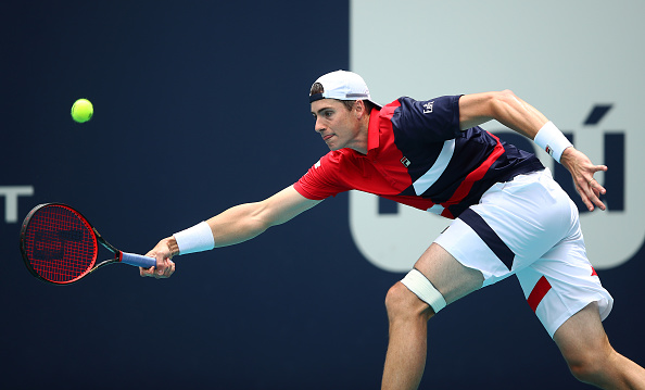 Miami | Isner and Federer keep the veterans on top