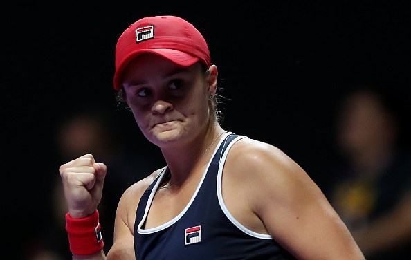 Shenzhen | Barty battles back to beat Plíšková