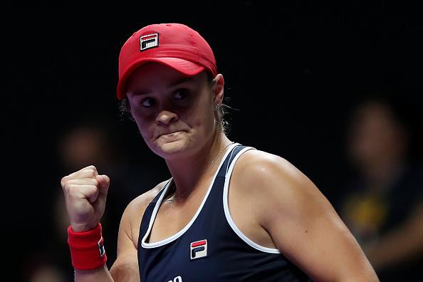 Shenzhen | Barty battles back to beat Plíšková