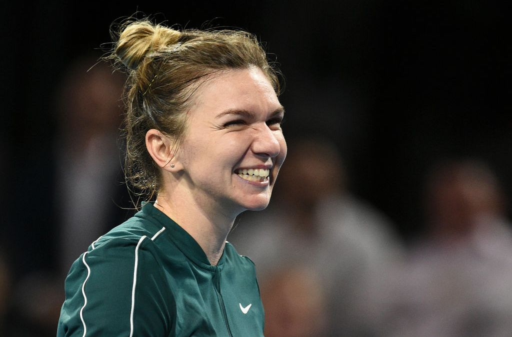 Halep spoils Barty's party to kick off Aussie Summer