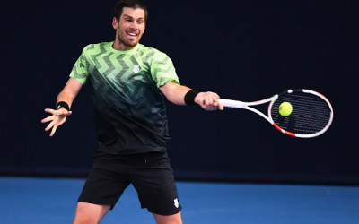 Norrie strides into last eight
