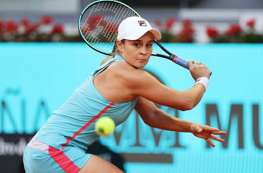 Barty battles past Swiatek, Kvitova next