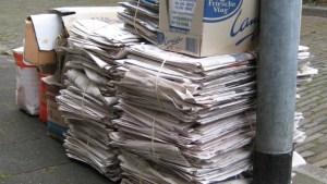 Oud papier lopen