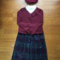 これからの季節は、こんな感じで着るそうです。 チェック柄、コーデュロイ生地、赤いブラウスのような柄シャツも流行っているそうですよ。