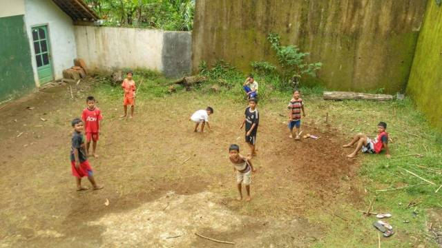 Foto: Permainan tradisional singkongan (dokumen pribadi)