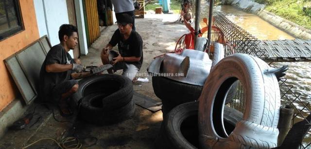 Foto: Patung Cangkir Kopi dari limbah ban bekas mobil (Rumah Kreatif Indonesia)