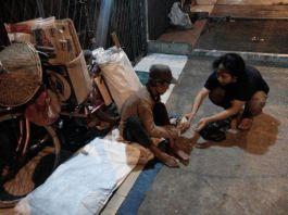 Berbagi nasi di Bekasi