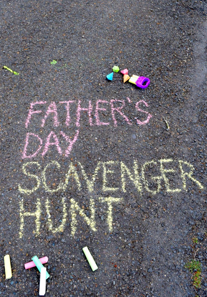 A great Father's Day gift: a scavenger hunt with the kids! Ten Thousand Hour Mama