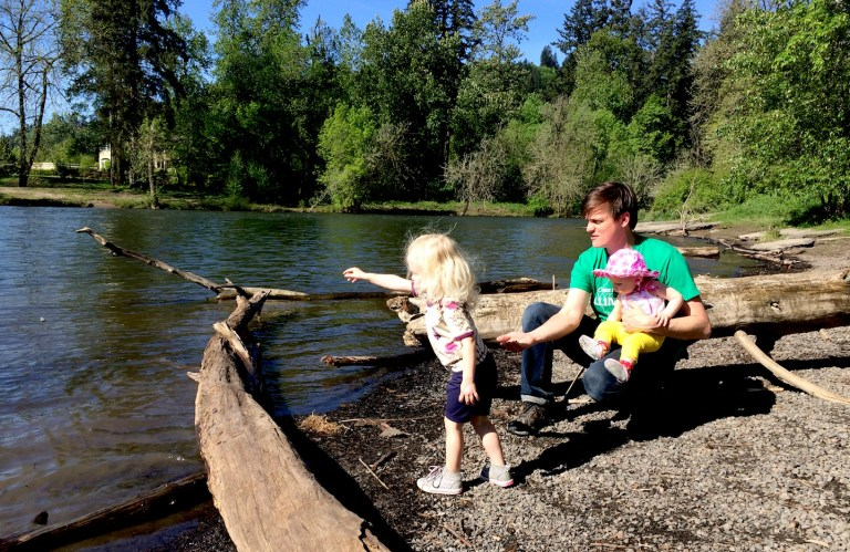 The 10 best parks and playgrounds and splash pads in West Linn, Oregon, outside Portland // family travel // Ten Thousand Hour Mama