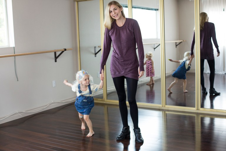 The best clothes for moms are comfortable and professional, practical and gorgeous—because no matter if you're a SAHM or a career gal, you deserve to feel beautiful. Ten Thousand Hour Mama