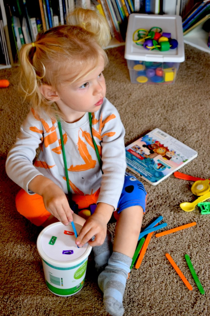 These toddler activities about color, for your homeschool preschool or just a fun project, are a great way for kids to learn about colors—and to have fun! Ten Thousand Hour Mama