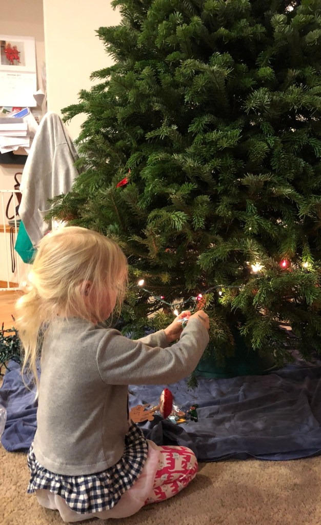 How to decorate the perfect Christmas tree with kids - Ten Thousand Hour Mama