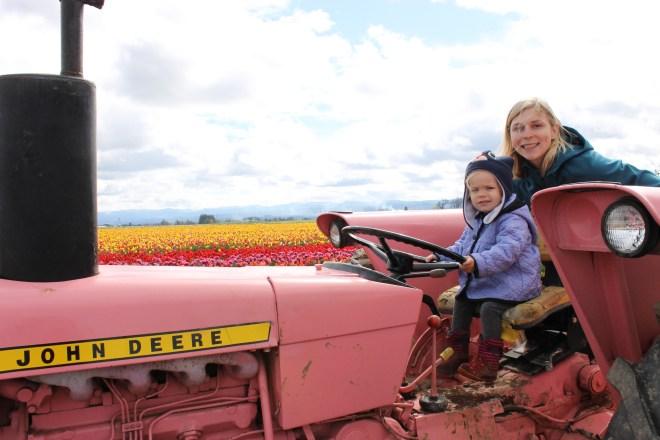 toddler tractor Woodburn Tulip Festival