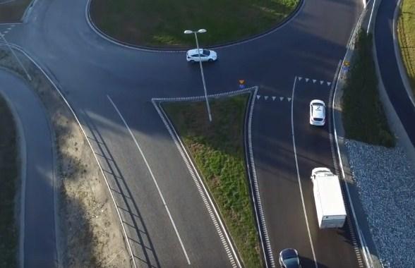 الطريقة الصحيحة للسياقة في الدوارت بالفيديو