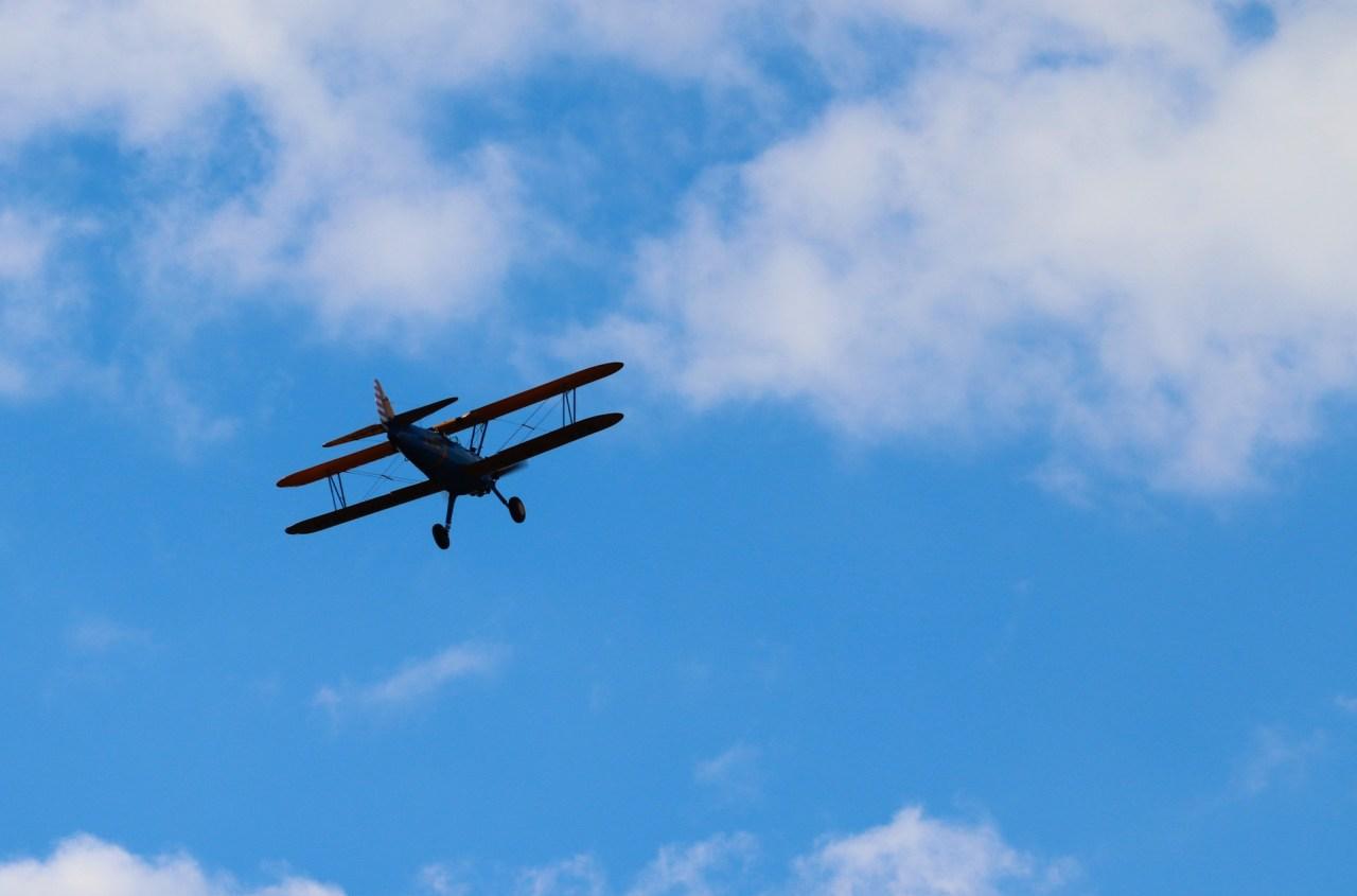 aircraft-5538927_1920