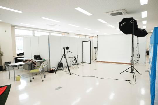 仮説スタジオ設定例(横3m白バック)