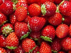 manfaat strawberry