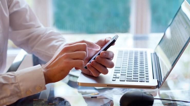 Cara Memindahkan Aplikasi dari HP ke Laptop