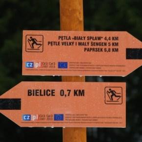 Oznakowanie szlaku narciarstwa biegowego w Gminie Stronie Śląskie.  Fot. www.stronie.pl