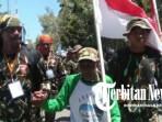 Meriahkan Hut Kemerdekaan RI Ke – 74, Kekek 74 Tahun Berjalan Keliling Pulau Sula