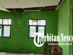 Rusak Bertahun-tahun Nyaris Ambruk, Dinas Pendidikan Sampang Diduga Tutup Mata